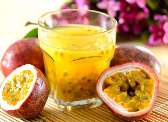Frozen passion fruit puree with seeds